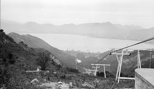 The cable lift connecting the refinery and the company bungalows, 1911 Source: G. Warren Swire/ Historic Photographs of China Collection, University of Bristol, England)