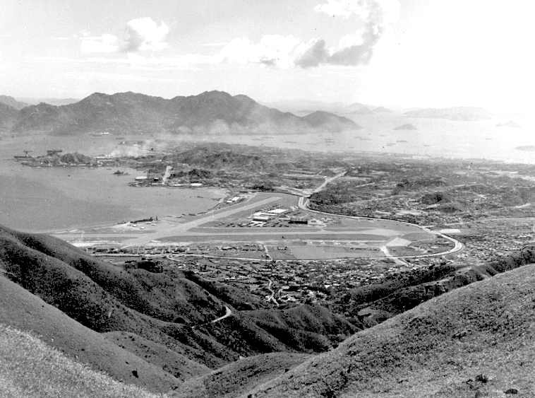 Kai Tak Airport 1952- looking West from Tate's Cairn (Photo: Capt. Dave Smith)