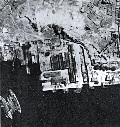 Cosmopolitan Docks aerial photo Nov 1945 snipped version