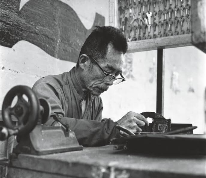 Chak Wai Leung photo 1969 locksmith HK Heritage Museum