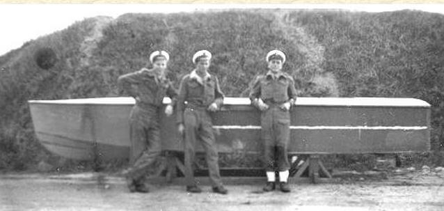 Suicide Boats - British Seamen with a homemade EMB captured at HK www.combinedfleet.com snipped.