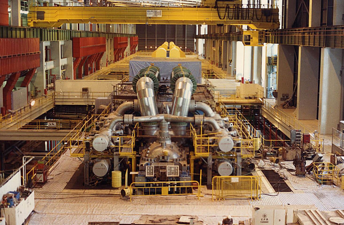Castle Peak Power Station 'B'-Turbine Hall-003-Unit B4 turbine under construction 4