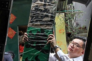 Ho Hung Yee umbrella Peel Street snipped extract SCMP 6.4.16