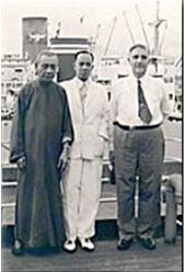 Rattan Industry HK, Loong Sui Chor Left And Y.Y. Wong Center Greeting American Importer Charles H. Demarest On SS President Monroe. Source, Www. Tonkincane ComYork Lo