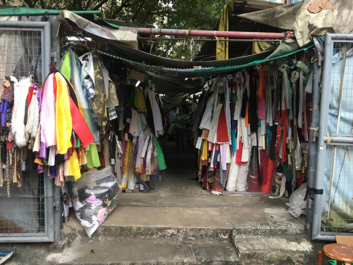 yen-chow-street-hawker-bazaar-image-a-sally-trainor