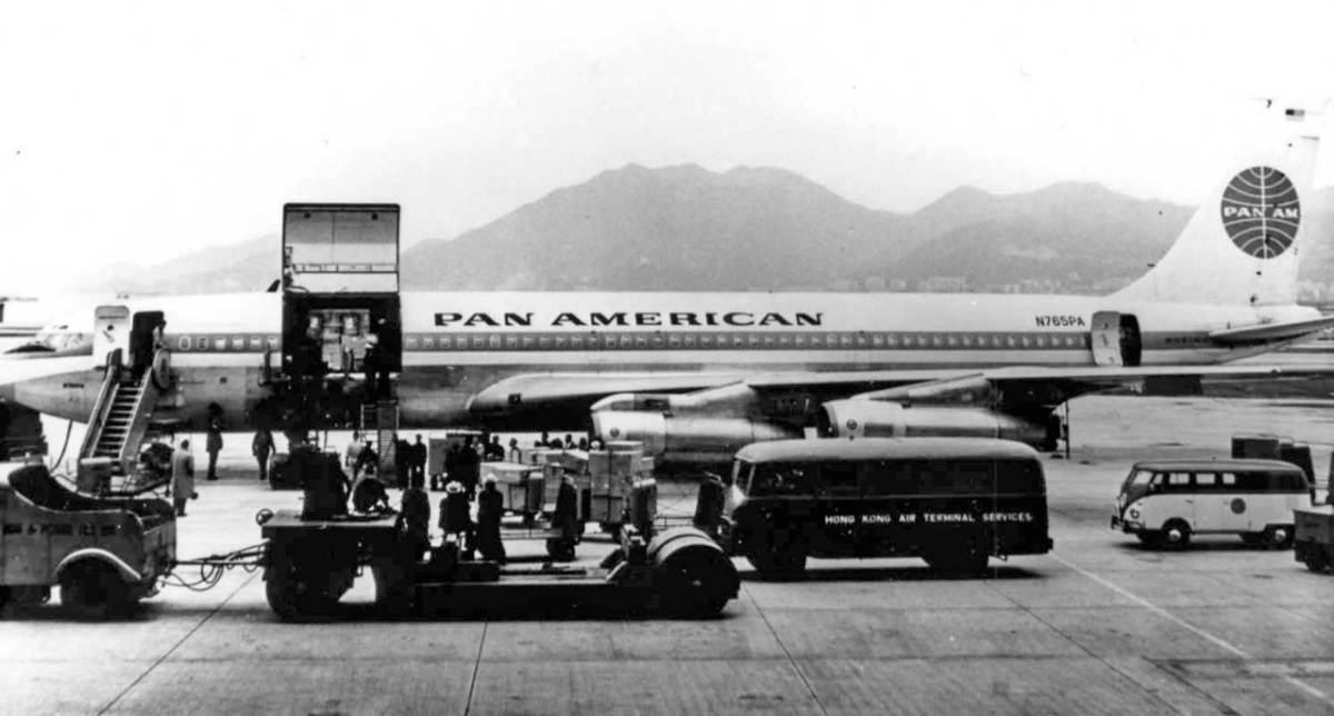 Pan Am Freight B707 Freughter Unloading CLP Tractor Amf Heavy Lift Tractor IDJ