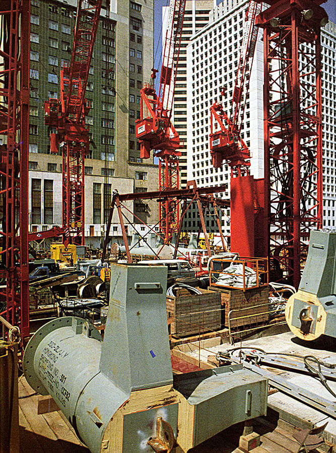 HSBC005.jpg Feb 1983 Steelwork Ready For Lifting