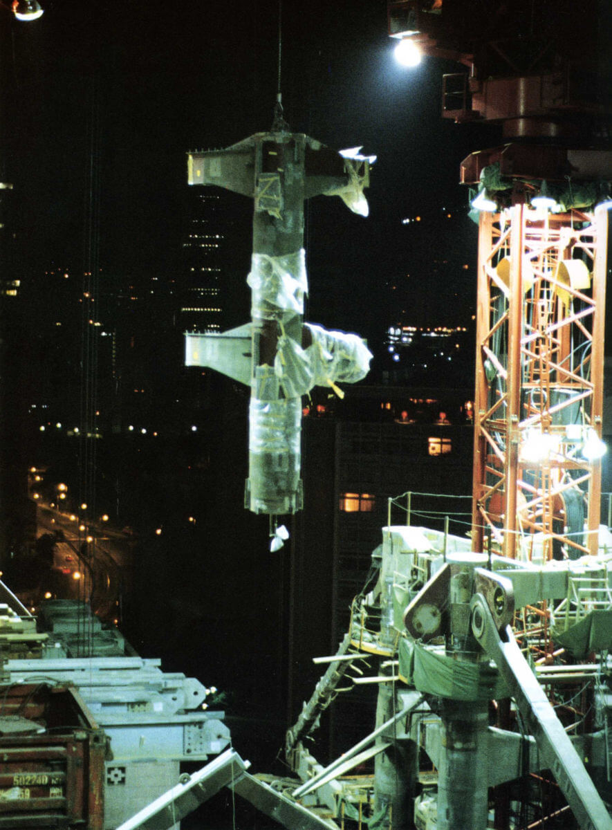 HSBC006.jpg Steelwork Erection At Night