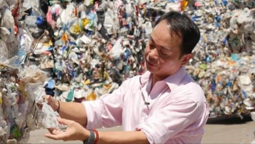 Plastic Waste Image Daily MAIL 24.1.18 IDJ