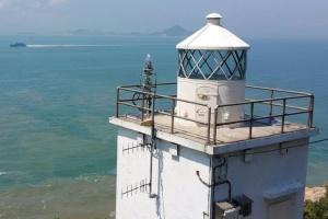 Fan Lau lighthouse image Google B Lam April 2015
