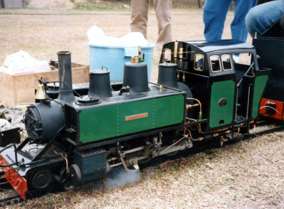 Miniature Railways b2 HKSMEE event-MOUNTAINER-coal fired steam locomotive-entirely built in HK