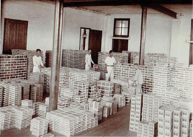 Orient Tobacco Manufactury more boxes Edward Schneider