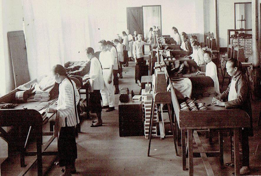 Orient Tobacco Manufactury standing hand rolling Edward Schneider