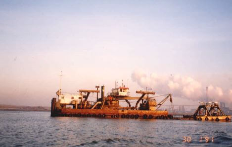 Dredging Netherlands EO Report No. 17 Sept 1992 plate 3 deep suction dredger snipped